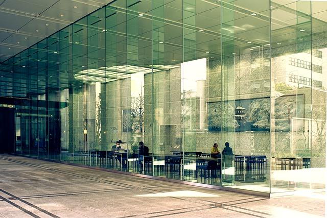 sklenené steny reastaurace